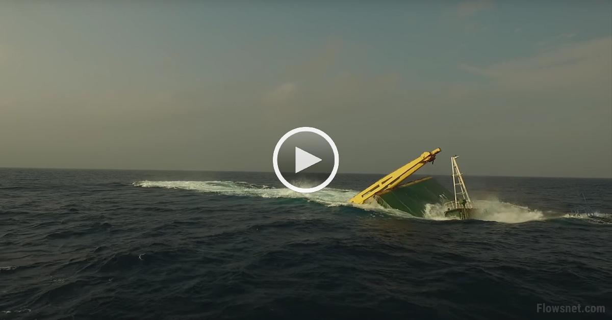 VIDEO: Savienoto valstu valdība nogremdē kravas kuģi